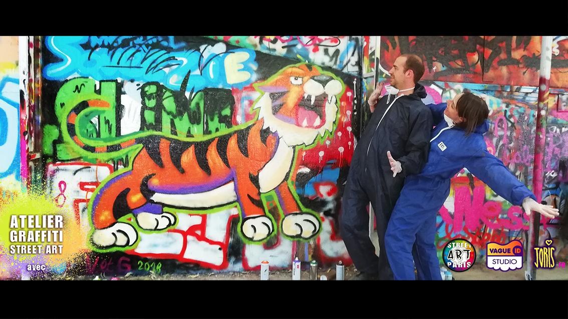 COURS-GRAFFITI-STREET-ART-PARIS-SORTIE-ORIGINALE-EN-COUPLE-AMOUREUX