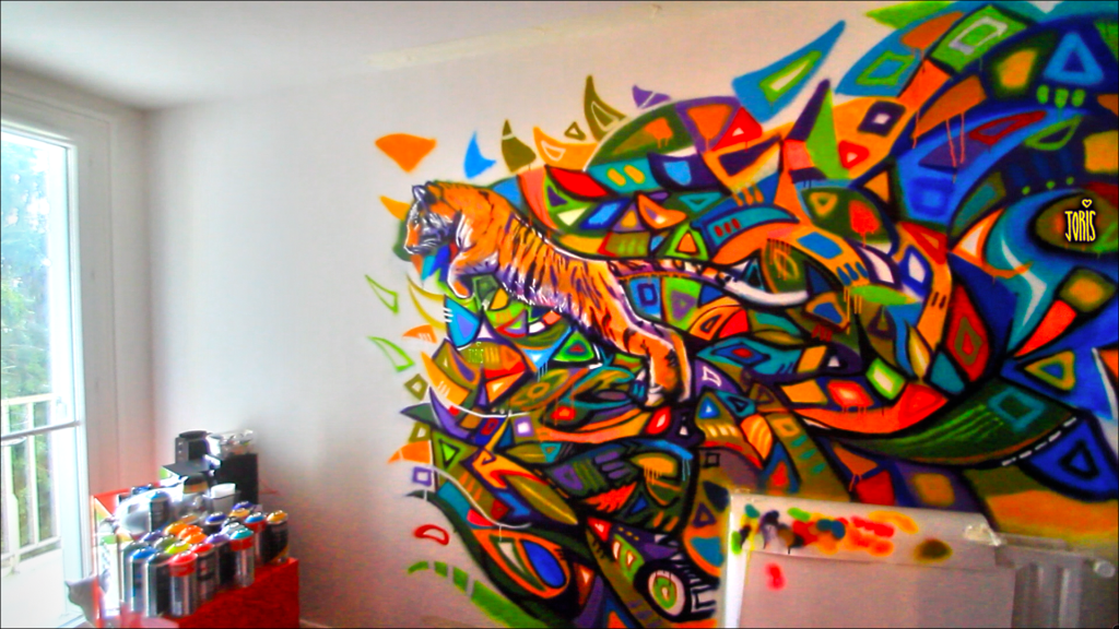 DECO-GRAFFITI-STREET-ART-PARIS-TIGER-BY-JORIS