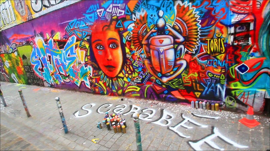 STREET-ART-PARIS-GRAFFITI-BELLEVILLE-RUE-DENOYEZ-SCARABEE-BY-JORIS-ET-JONA