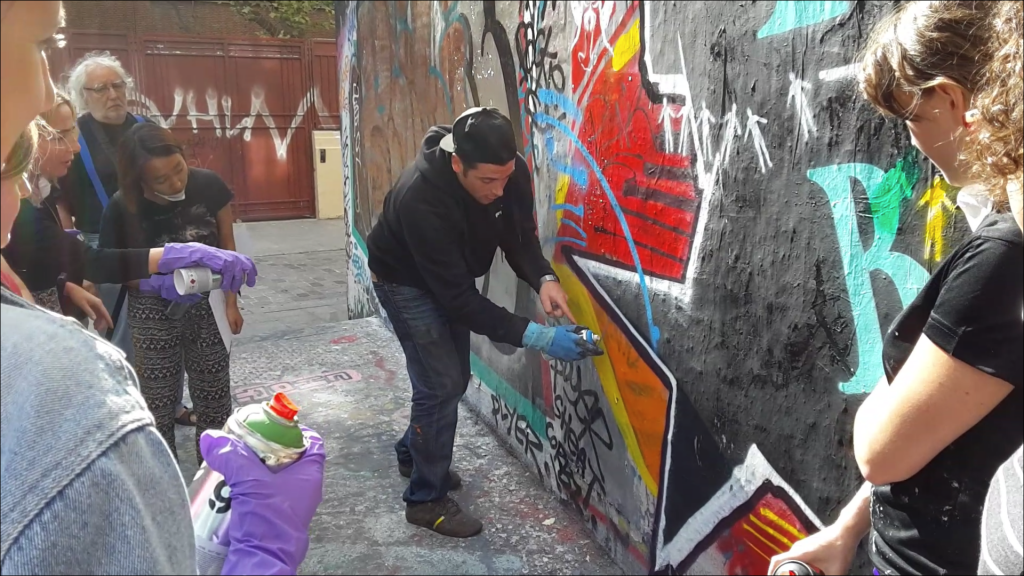 cours-de-graffiti-street-art-paris-initiation-atelier-stage-class-professeur-teacher-cour